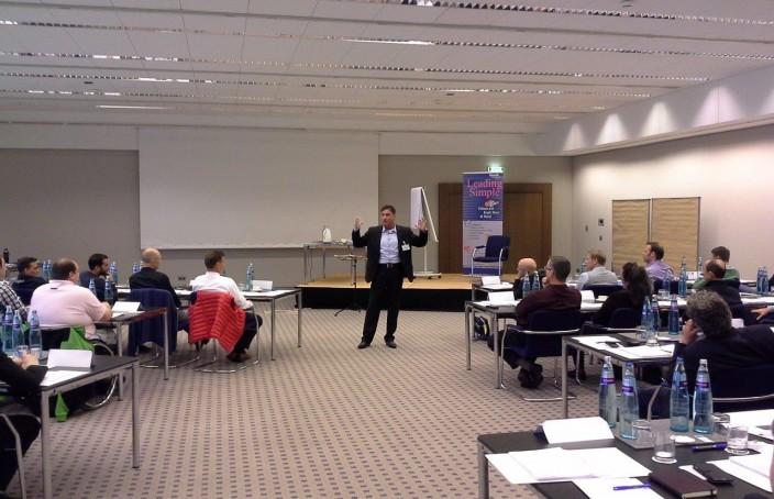Atilla Vuran beim offenen Seminar Leading Simple